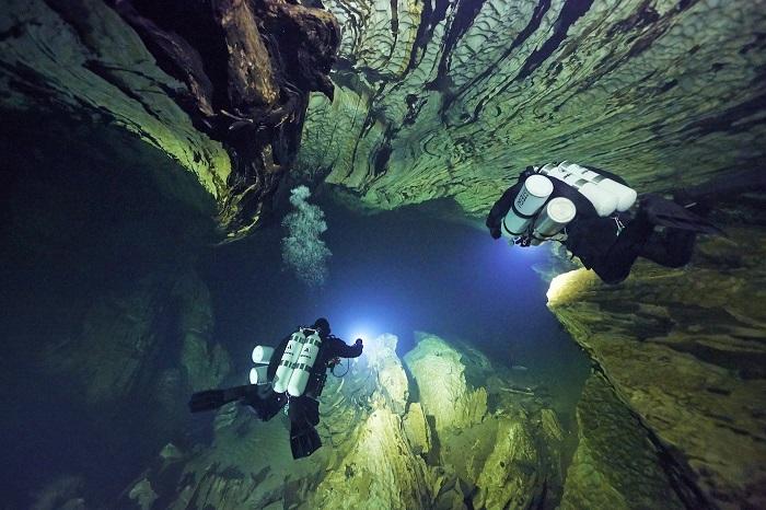 dive-light2