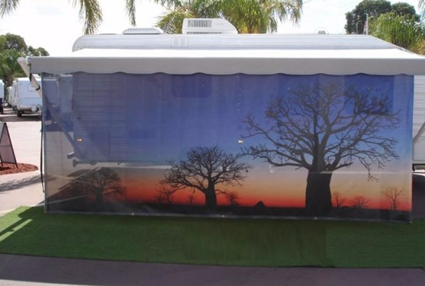 Caravan Screens: Cause Using More Space is Key | Right ...
