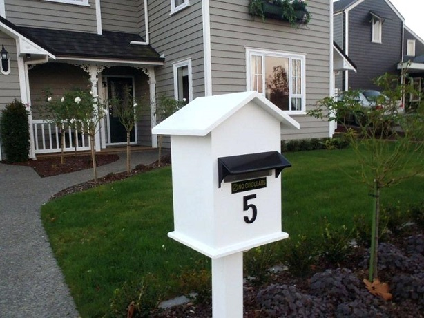 post-mounted-letterbox