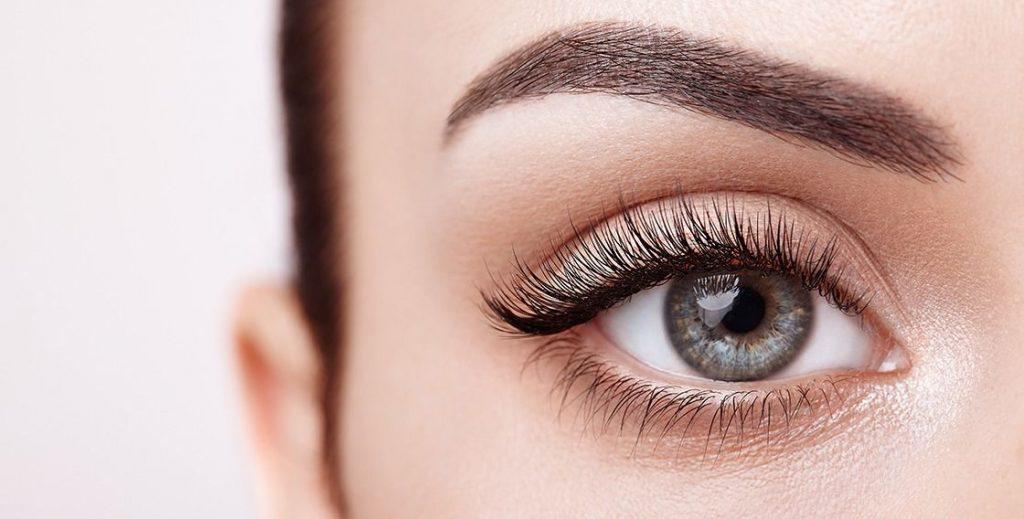 Natural Looking False Eyelashes