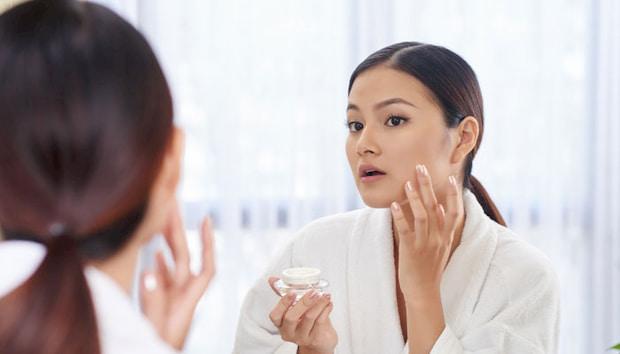 applying-skincare-product