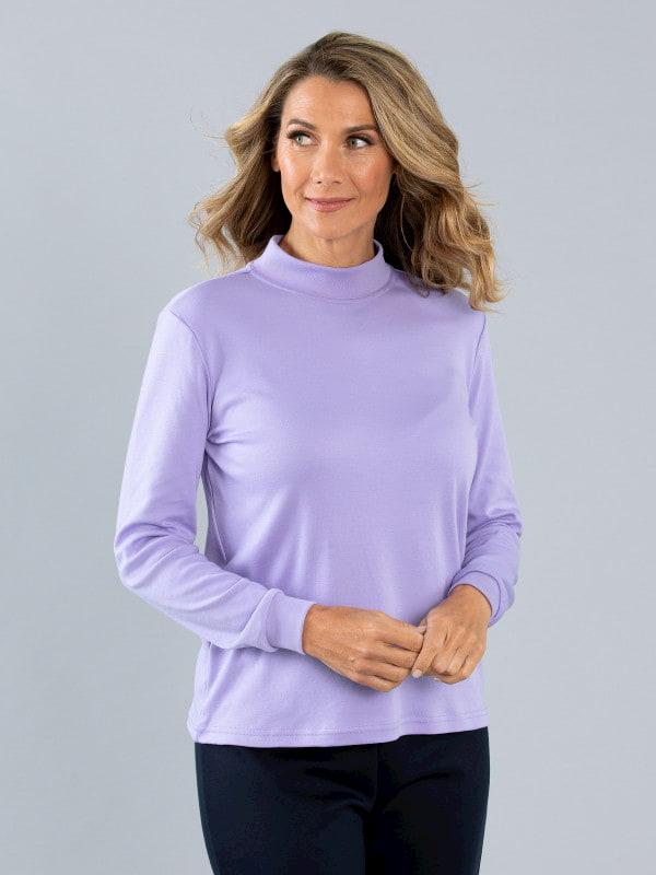 woman wearing purple skivvie