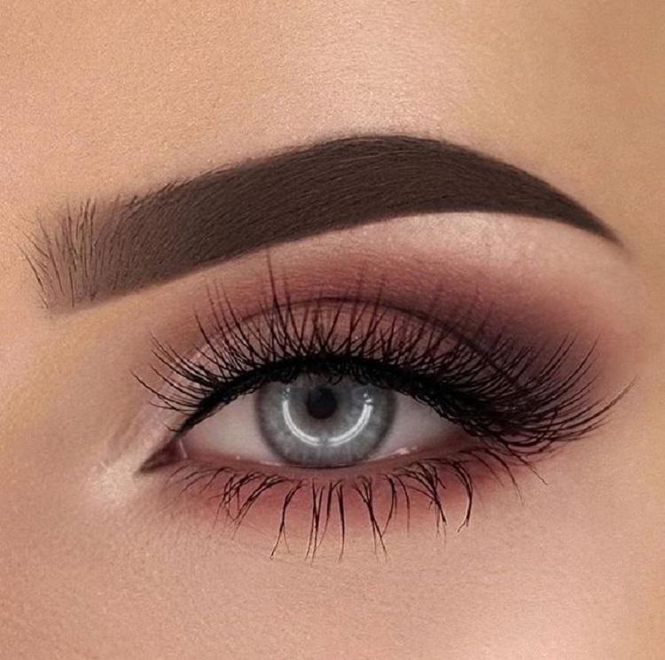 Flirty lashes