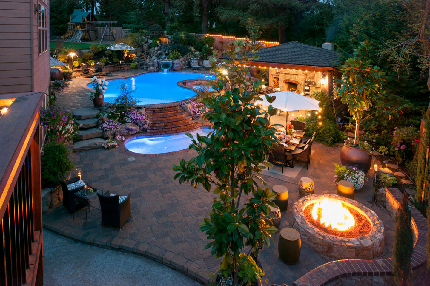 fire pits outdoors pool